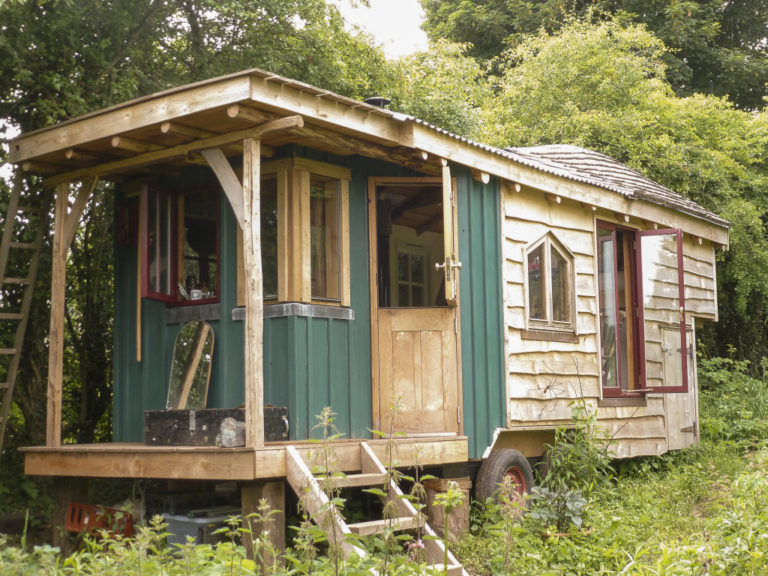 Black Dog Carpentry Tiny Homes & Wagons